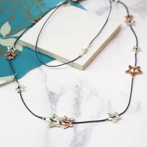 STAR LONG STRING NECKLACE
